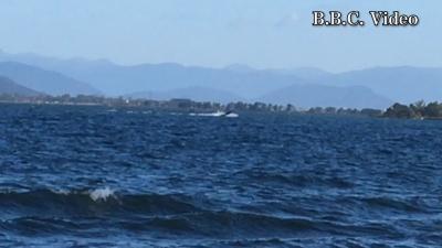真野浜から眺めた琵琶湖北湖!! ウネリの中を走るバスボート(YouTubeムービー)
