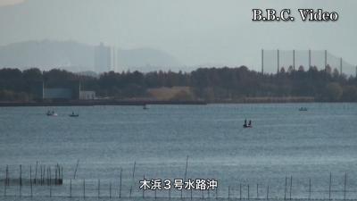 穏やかな月曜日の琵琶湖 木浜沖はボートがパラパラ(YouTubeムービー)