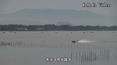 穏やかな日曜日の琵琶湖 木浜沖のボートは土曜日の半分ぐらい(YouTubeムービー)