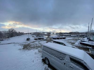 雪景色のリブレバスクラブ(2月9日7時頃)