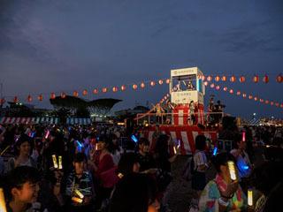 江州音頭とデジタルミュージックを融合させた「江州盆ダンス」