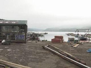台風19号の大雨と暴風で被災した芦ノ湖のボート施設