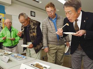 守山鮒寿司の会が開催した試食会