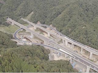 12月21日に開通する新名神亀山西JCTのループ式接続路