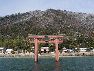 白髭神社の水中鳥居