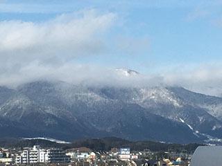 雪景色になった比良山(2月7日14時20分頃)