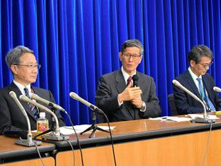 政府の新型コロナウイルス感染拡大防止専門家会議終了後の会見