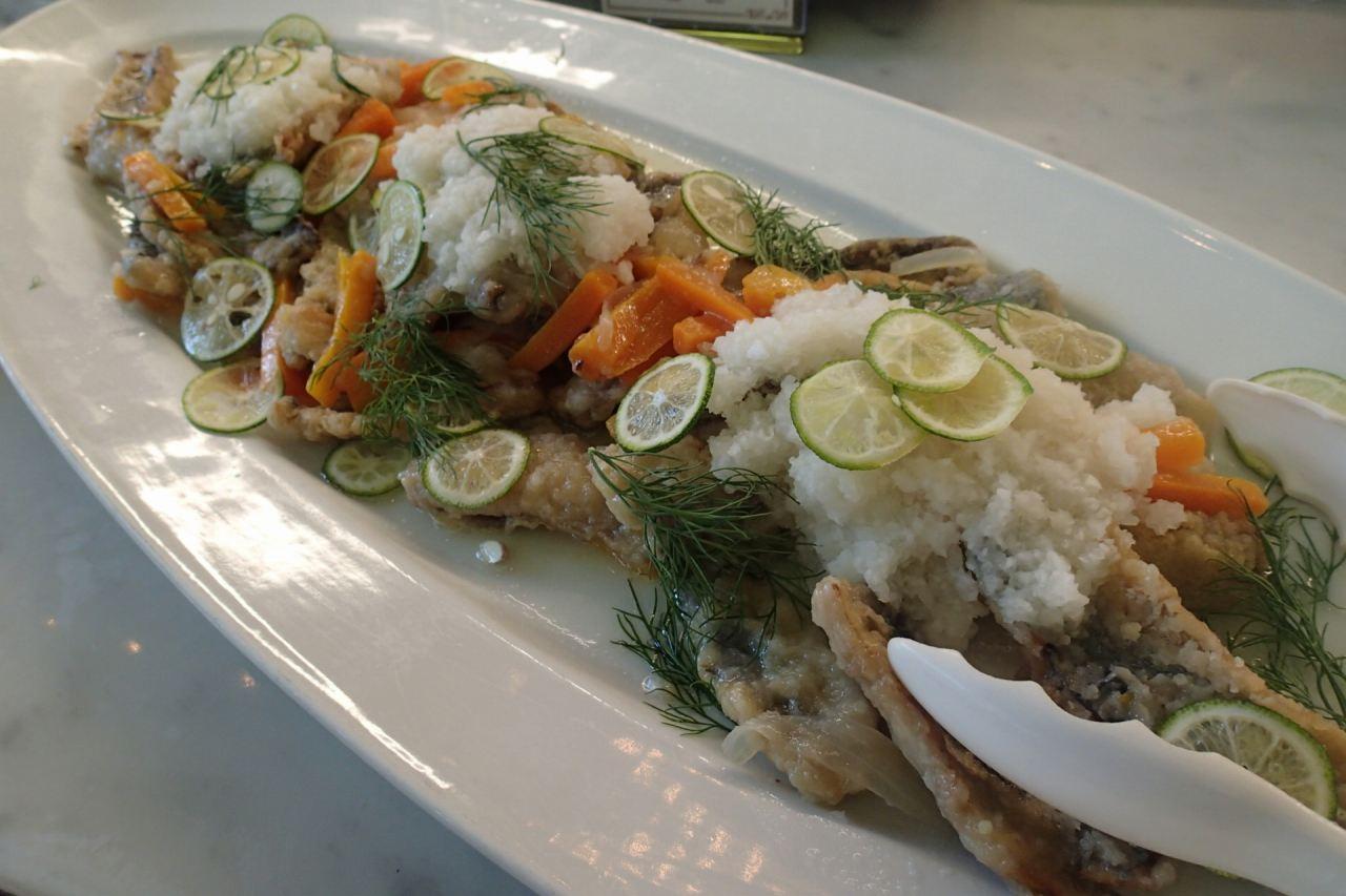 秋刀魚のエスカベーシュスダチと大根のエクラゼ添え