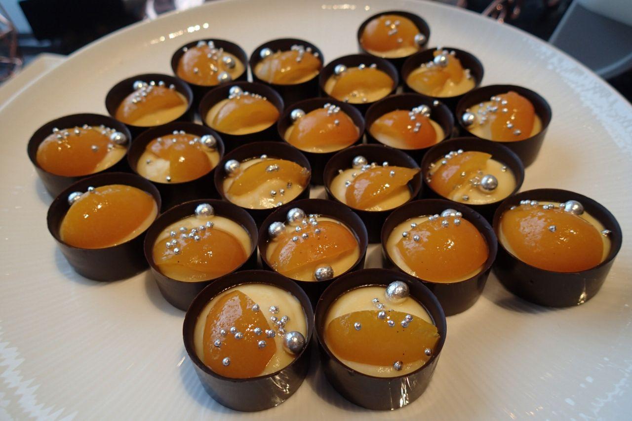 マンダリンと金柑のチョコレートカップ