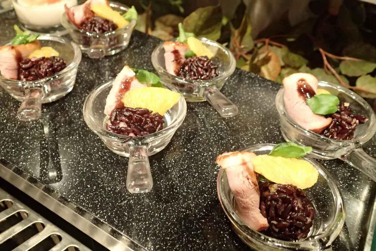 合鴨のスモークと黒米のサラダバルサミコ風味