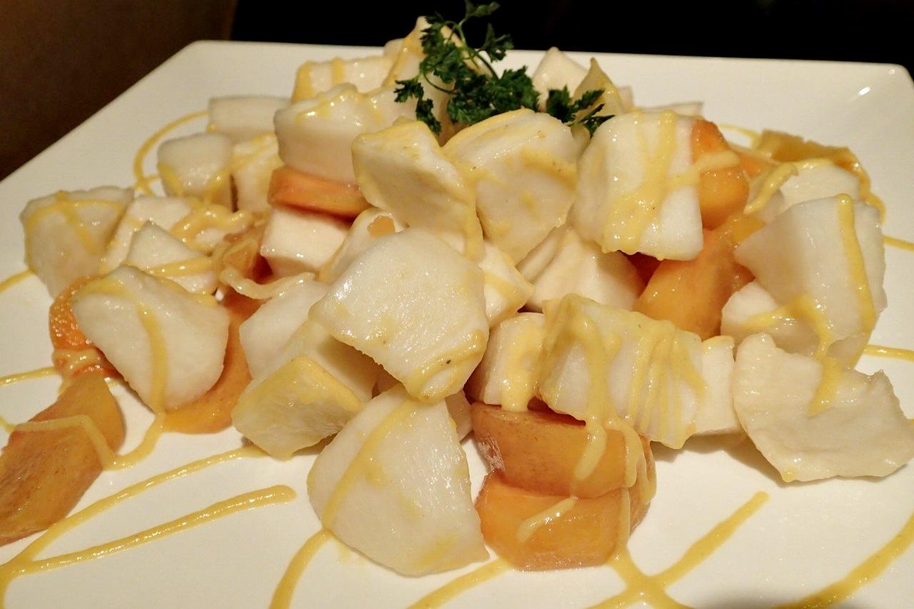 柿と蕪のマリネメイプル風味のエミルション