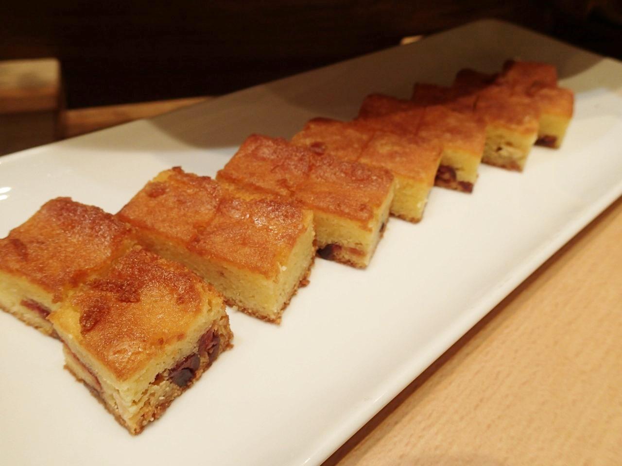 クランベリーアーモンドケーキ