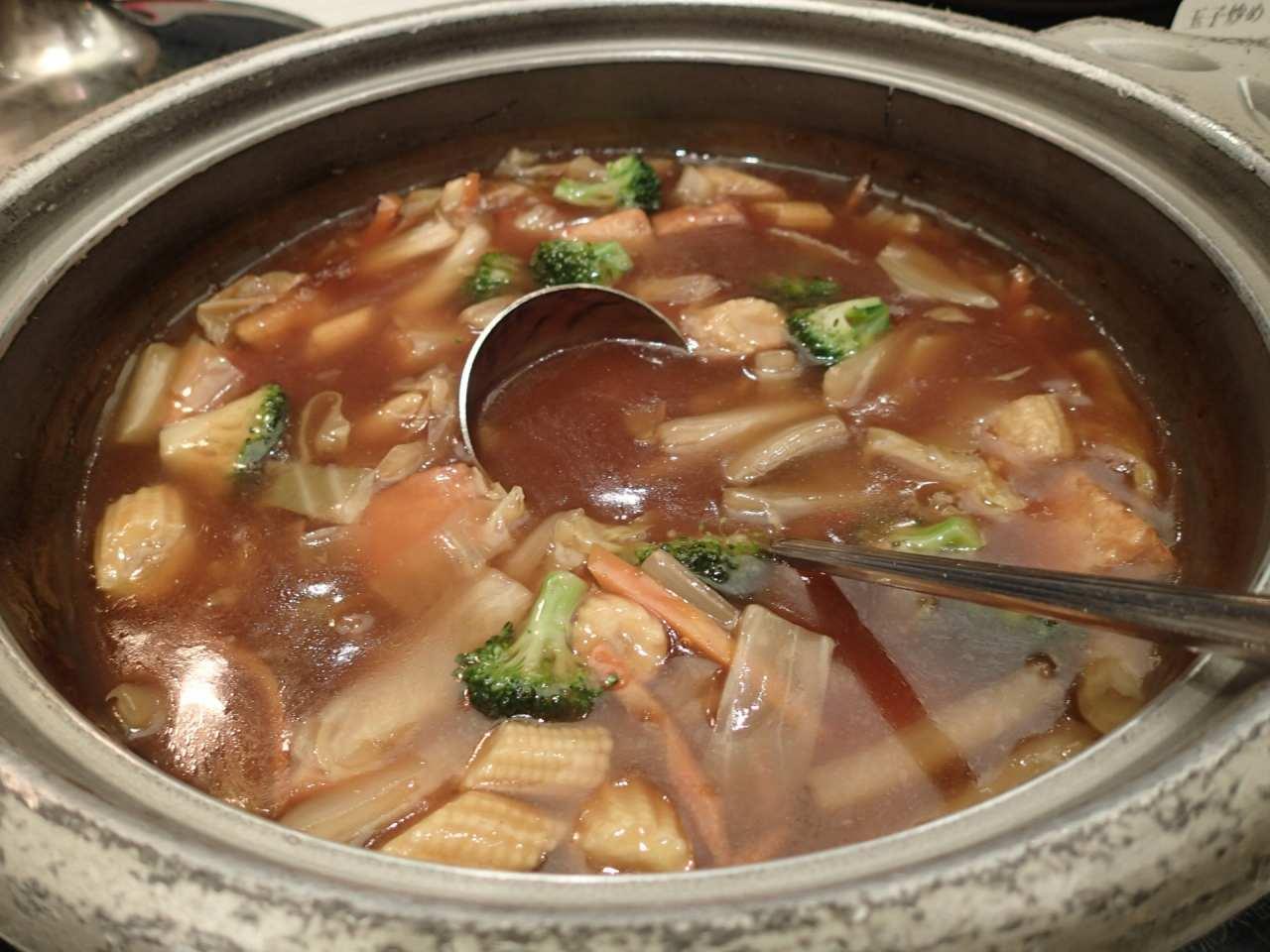 鶏肉と揚げ豆腐の煮込み