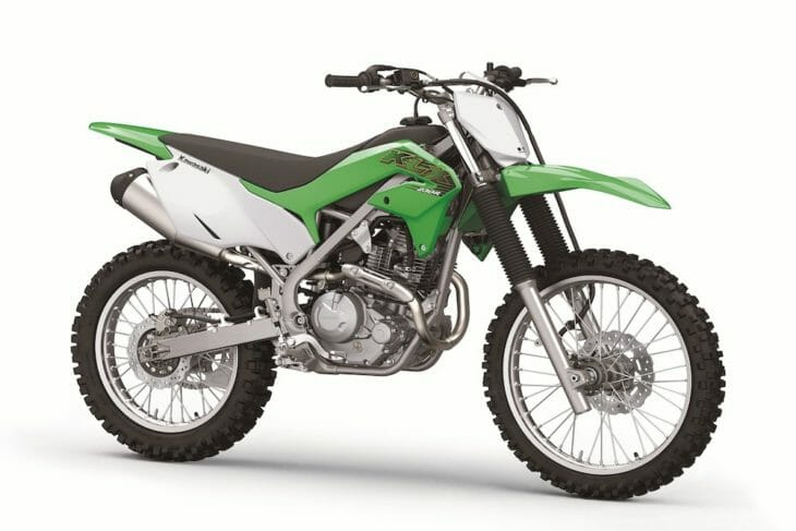2020-Kawasaki-KLX230R-First-Look-right-front-730x487.jpg