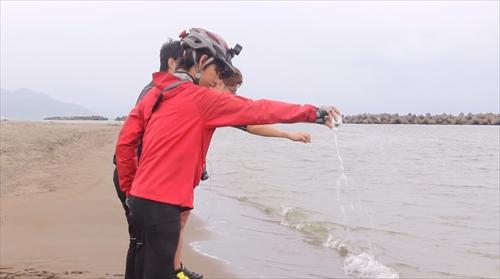 海水返す_R