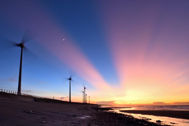 風車のある風景(4)