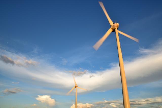 風車のある風景(2)