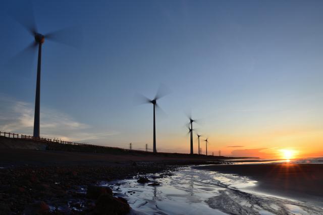 風車のある風景(3)