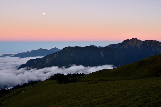 夕暮れ時の稜線(3)
