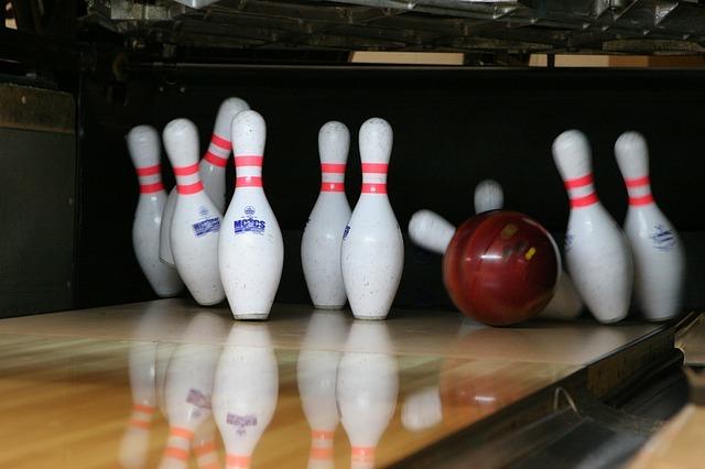 bowling-658386_640.jpg