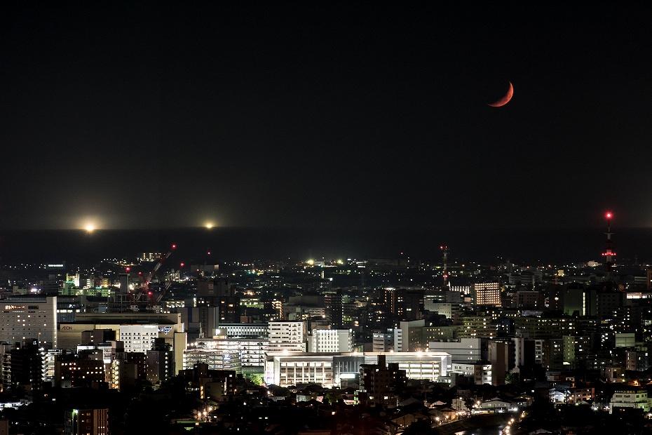 2019.05.09卯辰山 沈む月 (2)