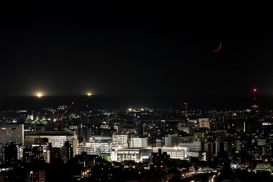 2019.05.09卯辰山 沈む月 (3)