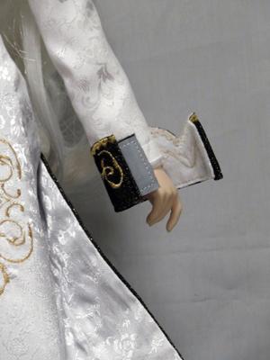 刺繍ロング白袖