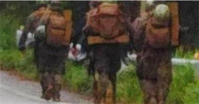 銃で武装した米兵6人が9QQX83wK