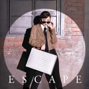 鈴木愛理01stシングル「Escape」初回B