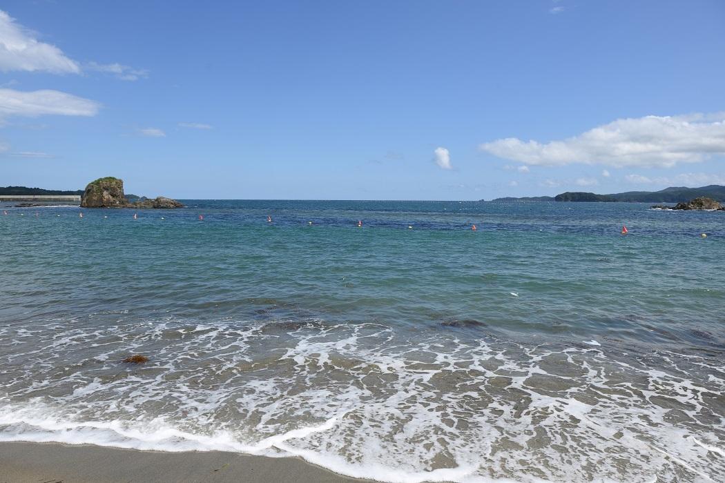 美しき三陸の浜辺にて