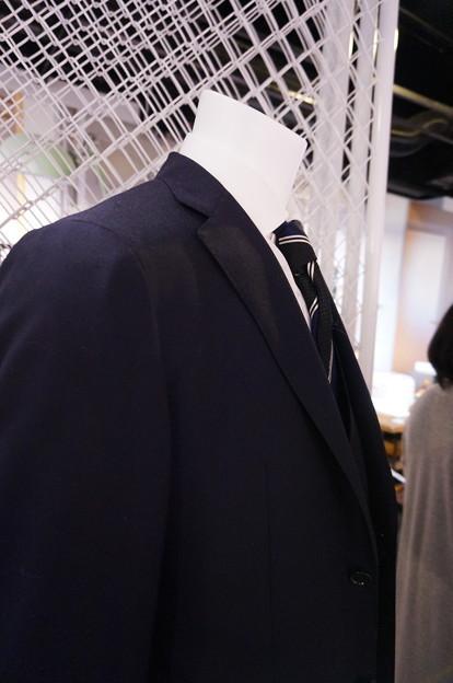 シロさんのスーツ