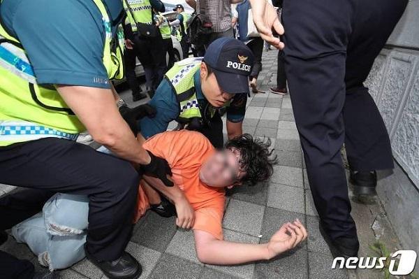 20190724釜山の日本総領事館にテロリスト6人が不法侵入!警察が逮捕するもすぐに釈放!WTOに韓国エース