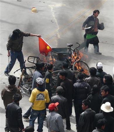 アグネスチャン(陳美齡)は、2008年の北京五輪の開催前にチベットで起こった独立運動を支那が弾圧した時には、「チベット情勢 私には口をはさめない」などとほざいていた。