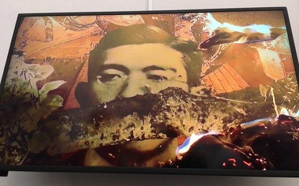 国の補助金投入に反対!昭和天皇の御真影を焼いて踏み潰す動画や売春婦像に国民の血税を投入するな