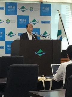 9月10日、原田義昭・環境大臣・内閣府特命担当大臣(原子力防災)「海洋放出、稀釈の方法しか解決策は残されていない。われわれは何処かで結論を出さなければならない。汚染処理水の排出については、安全性、科学的