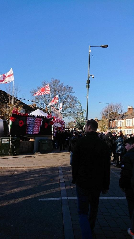 「ラグビーの聖地」【トゥイッケナム・スタジアム】(ラグビー発祥国イングランドのロンドン郊外のトゥイッケナムにあるラグビー専用競技場)のグッズ売り場では、普通に旭日旗が販売されている。