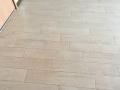 F203洋室床おしっこ跡