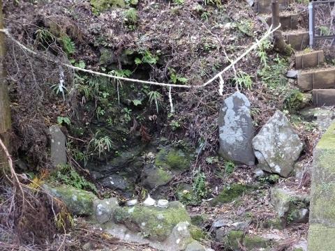 大山の女坂の七不思議・弘法の水