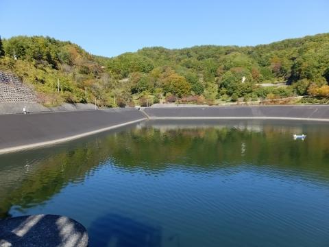 大門ダム・清里湖の遮水壁