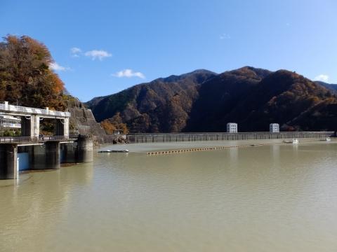 小河内ダム・奥多摩湖