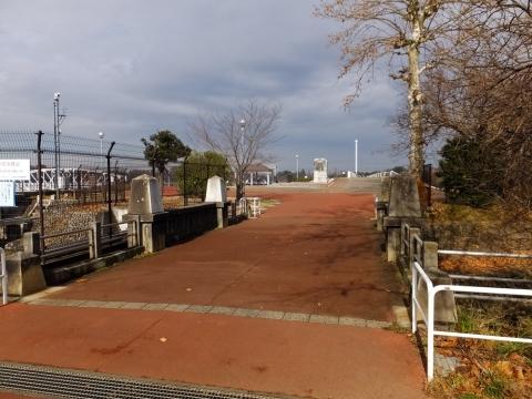 村山下貯水池・余水吐き1号橋