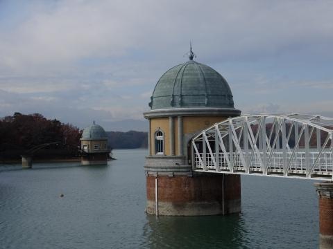 村山下貯水池第1・第2取水塔