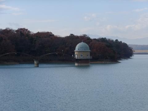 村山下貯水池第2取水塔