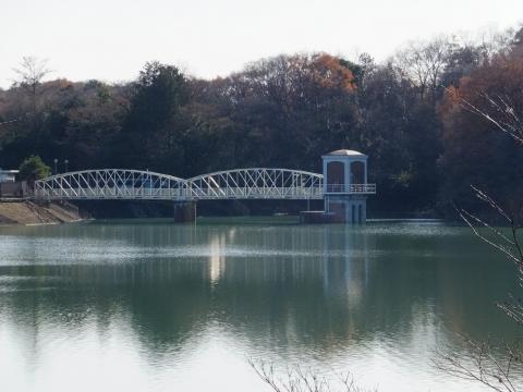 村山上貯水池・取水塔