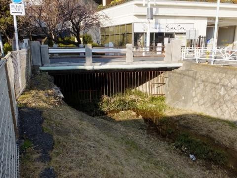 玉川上水開渠・京王線笹塚駅付近