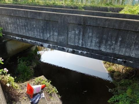 調節池から旧小鮎川への放流口・厚木市林1丁目