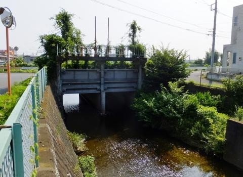 旧小鮎川河口の樋門ゲート