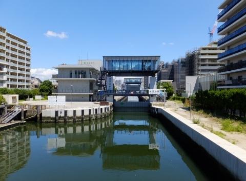 小名木川の扇橋閘門