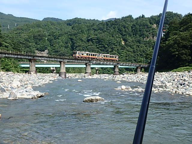 泥の小滝川から姫川に移動6