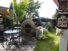 庭のパン屋3